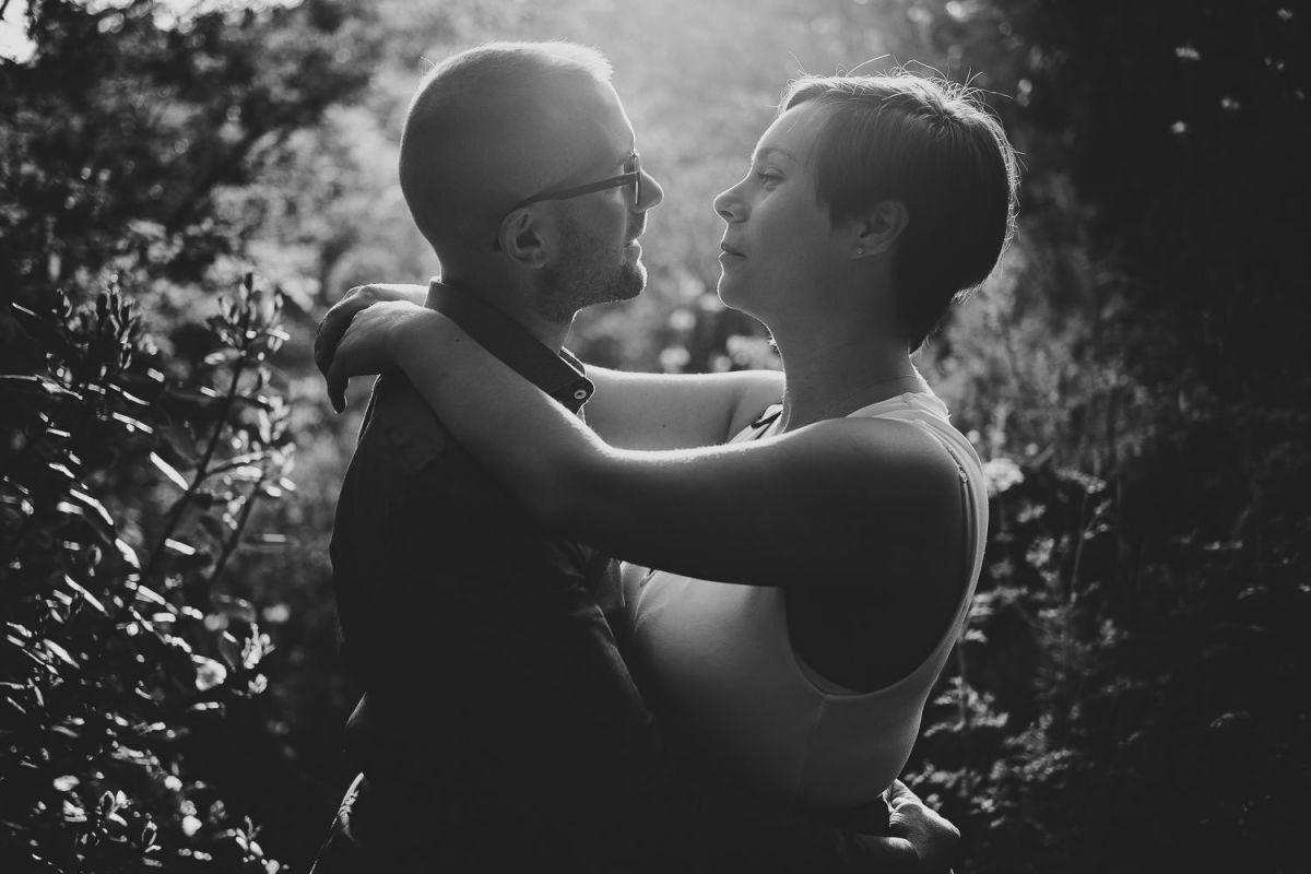 foto blanco y negro de los novios